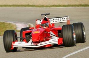 Formel 1 Wagen selber fahren mit Wippschaltung