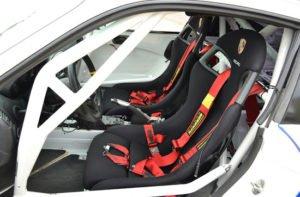 bequem Porsche fahren auf der Rennstrecke